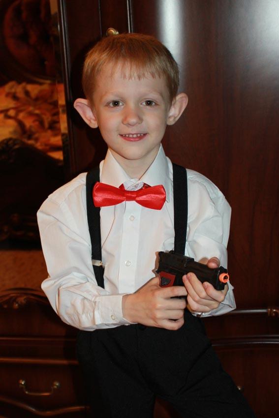 Ребенок в костюме гангстера 6122
