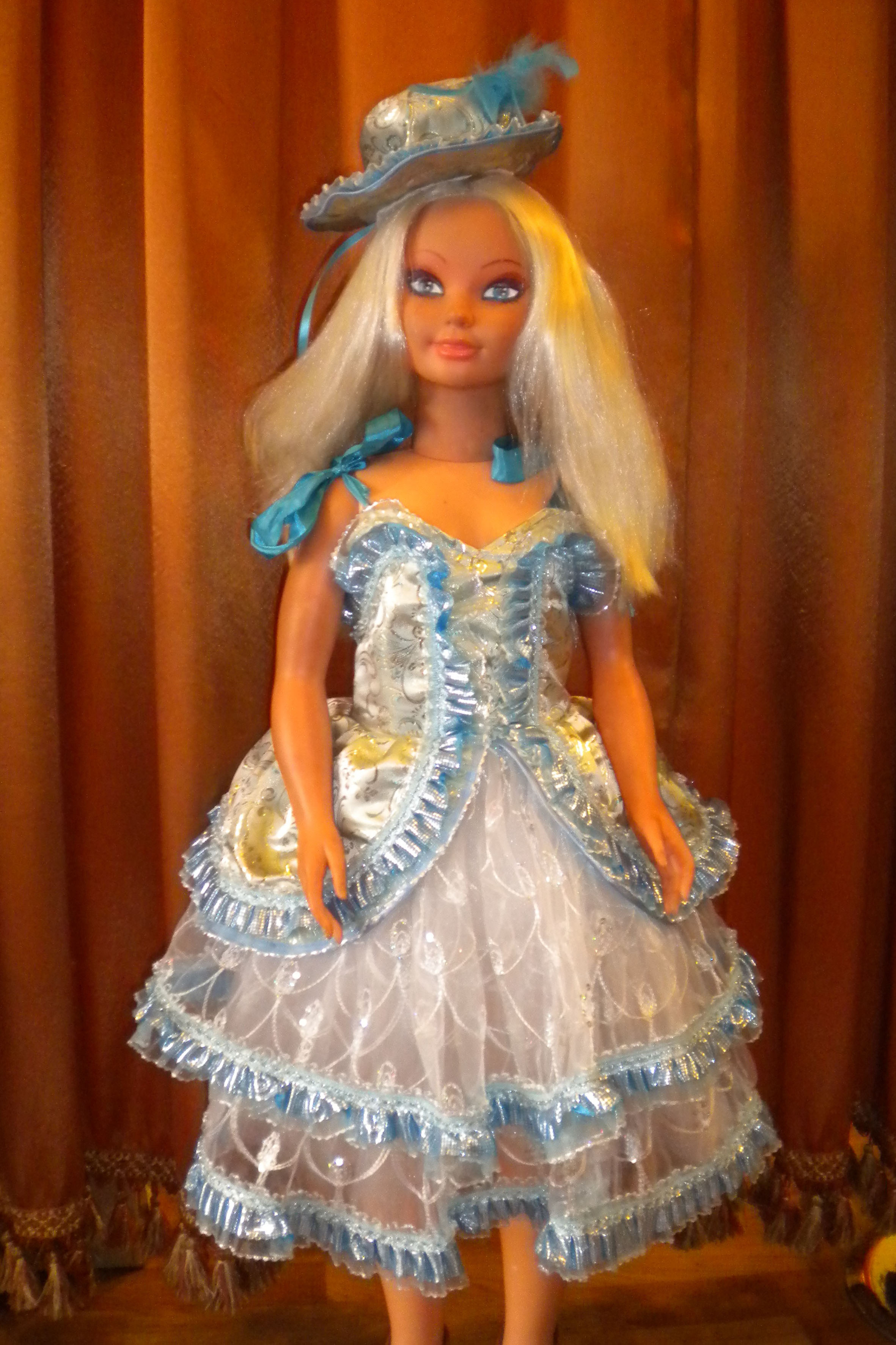 2511 Кукла Голубая
